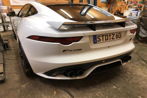 Jaguar_F_Type_SVR