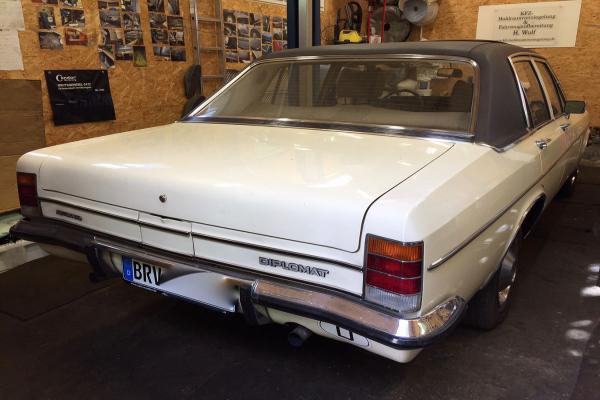 Opel_Diplomat_1