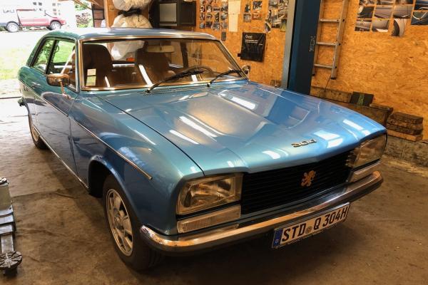 Peugeot_304